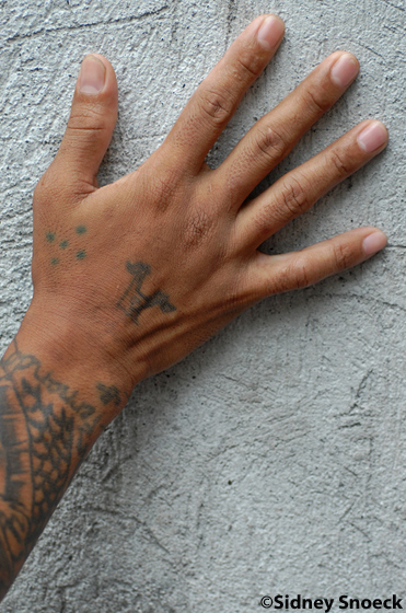 tatouage 5 points sur la main