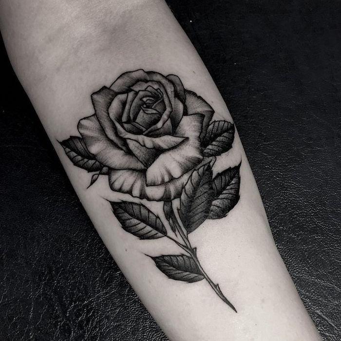 tatouage d'une rose signification