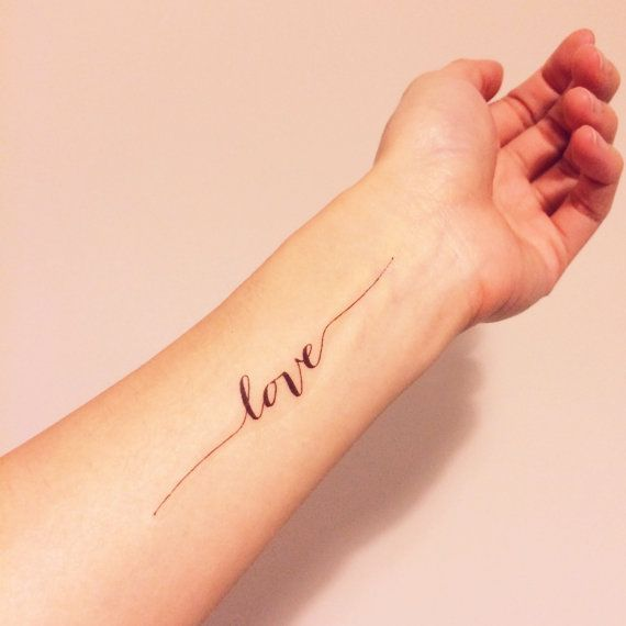 tatouage en calligraphie