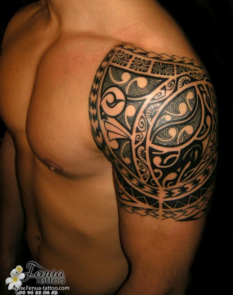 tatouage epaule homme