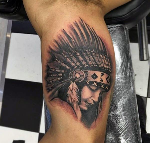 Tatouage Indien Femme