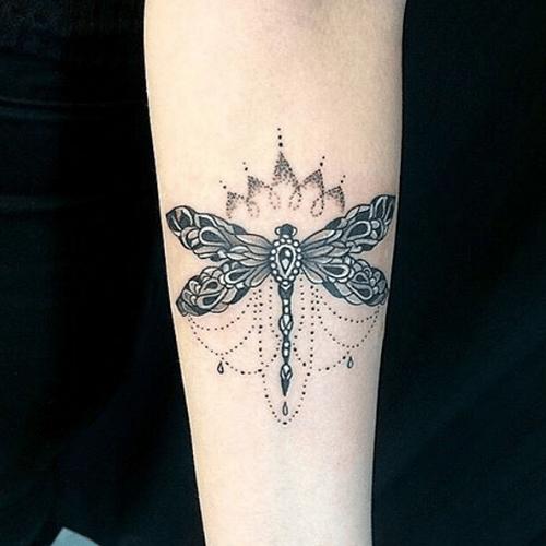 tatouage libellule