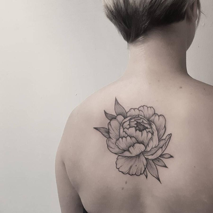 tatouage pivoine