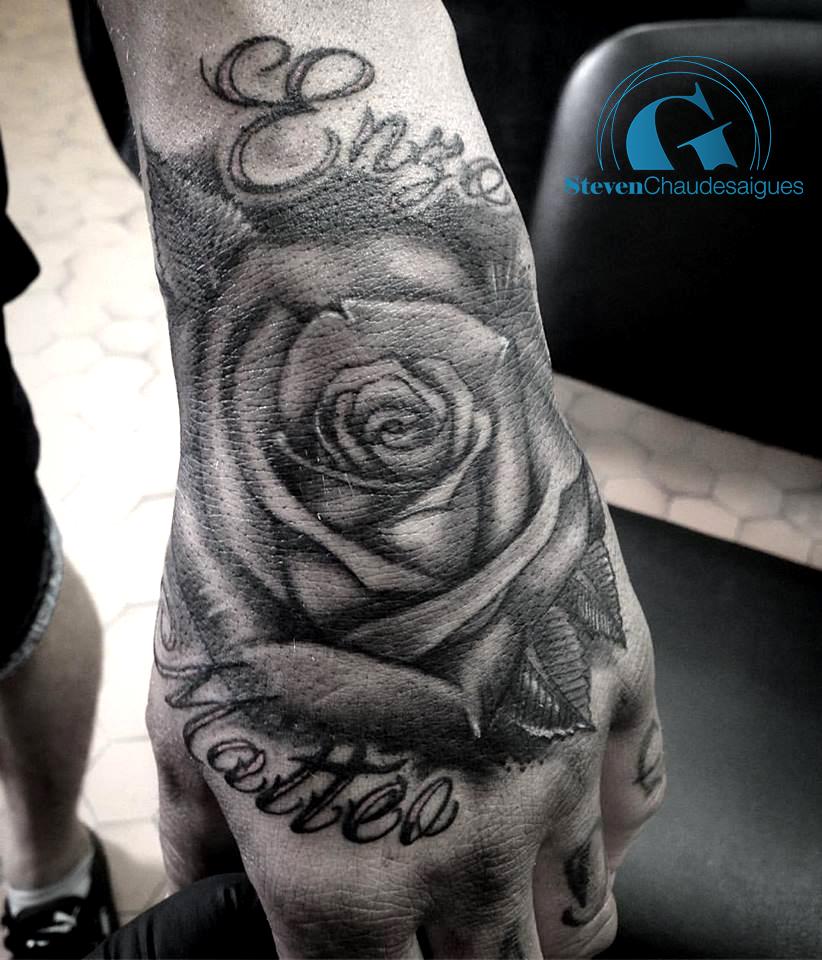 tatouage rose main