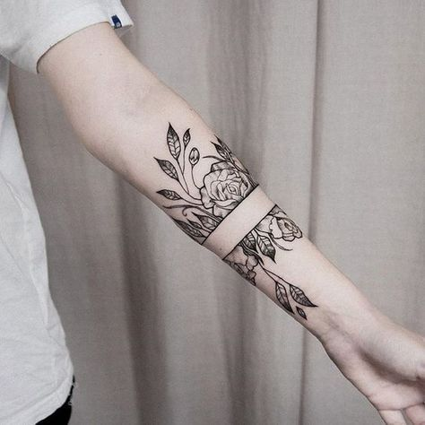 tatouage tour de bras