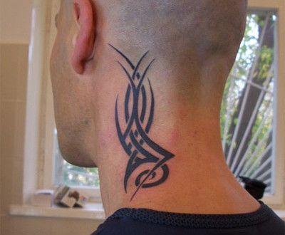 tatouage tribal cou homme