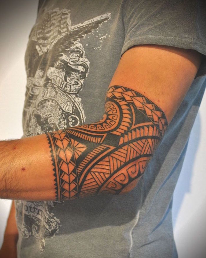 Tatouage Tribal Coude
