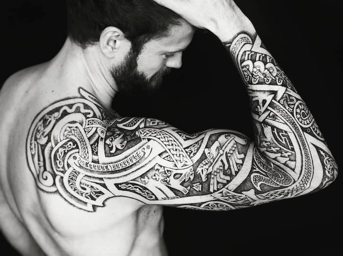 tatouage tribal mode