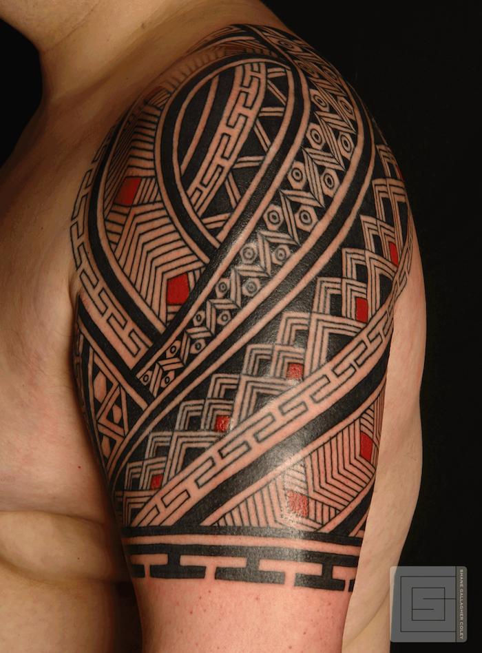 Tatouage Tribal Noir Et Rouge