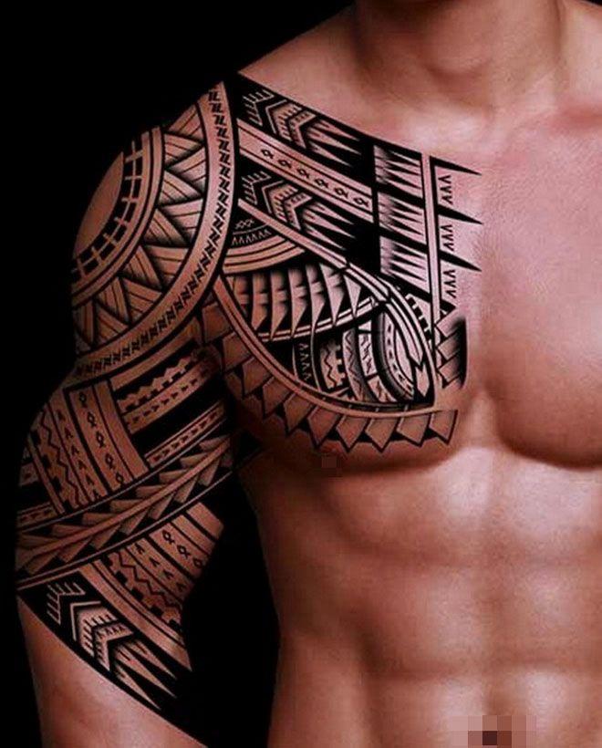 tatouage tribal pec