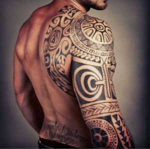 tatouage tribal tahitien
