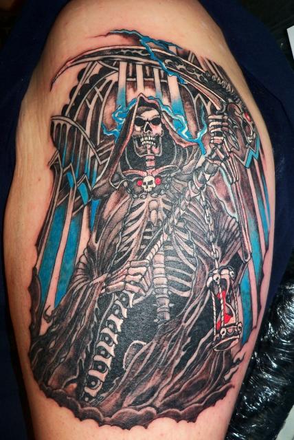 tatouage tribal tour de bras
