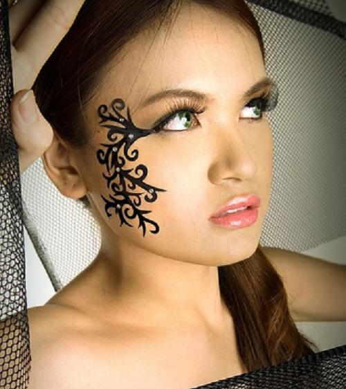 tatouage tribal visage femme