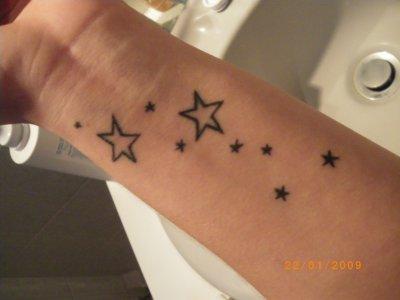 tatouage 2 etoiles