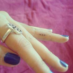 tatouage 3 points de suspension