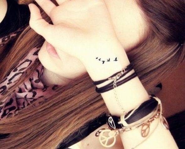 tatouage 5 oiseaux