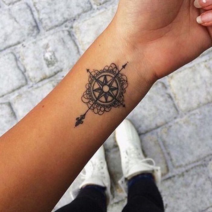 tatouage c et j