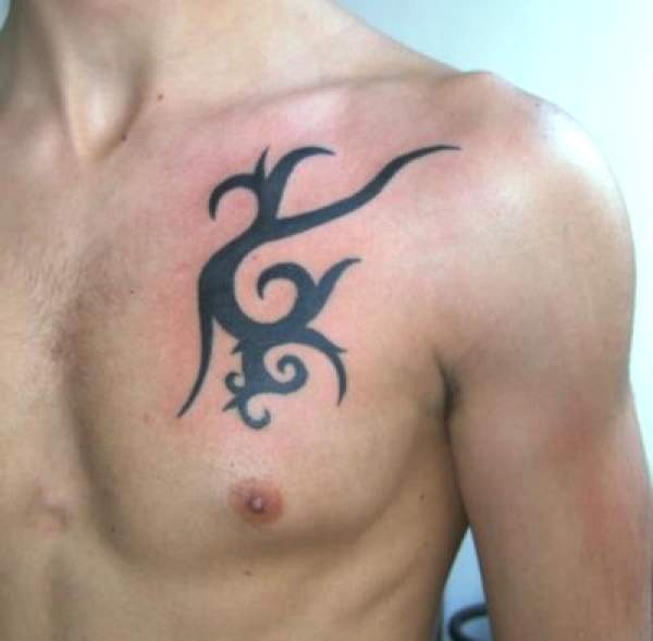 tatouage tribal discret homme