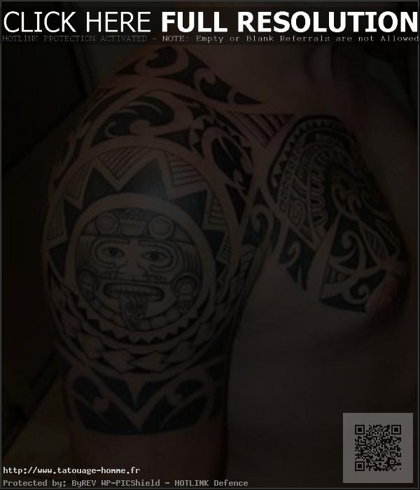 tatouage tribal epaule biceps