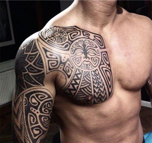 tatouage tribal epaule bras torse