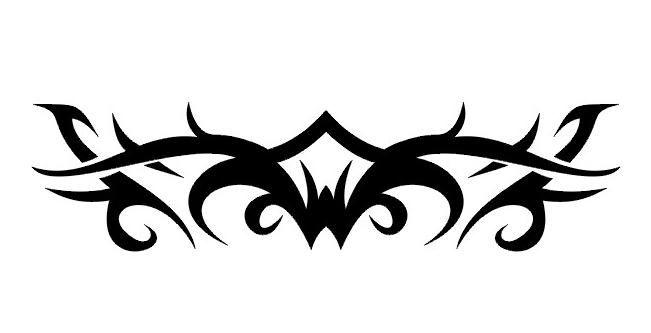 tatouage tribal noir et blanc