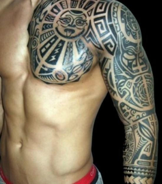 tatouage tribal sur l'epaule